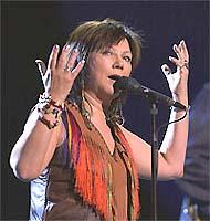 Mari Boine på scenen Fredspris-konserten 2002. Foto: Erlend Aas, Scanpix