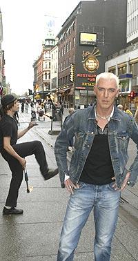 Trance-fenomenet Scooter med frontfigur H. P. Baxxter ligger på fjerde plass på den norske albumlista. Førstkommende lørdag spiller de lite kritikerroste tyskerne på Russens Landstreff på Lillehammer. Foto: Bjørn Sigurdsøn / SCANPIX.