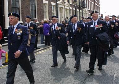 Fra paraden i Liverpool. Foto: Magne Åhjem, KNM Tordenskiold