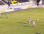 Christian Berg scorer 1-0-målet.