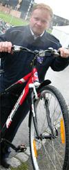 En fornøyd sykkelvinner. - Nå kan jeg holde følge med sønnen, sier Terje Ingvaldsen (foto: Marius Saasen Strand).