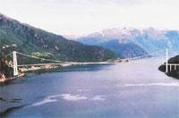 Slik skal broen over Hardangerfjorden etter planen se ut.
