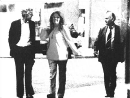 """Arne Treholt, Berit Riise og Sepp """"Titov"""" Blatter i ivrig diskusjon om agentenes rolle i internasjonal fotball."""
