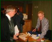 Bistandsadvokat Geir A. Kristoffersen i dialog med Tor Erling Staff.