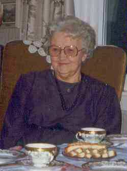 Svigermor og tante Olga Leine