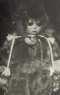 Fotografiet er fra biografien om Roald Amundsen som Tor Bomann-Larsen har skrevet.