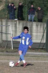Diego Armando Maradona junior i aksjon i en fotballturnering i Italia i februar i år.(Foto: Salvatore Laporta/Getty Images).