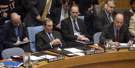 FNs sikkerhetsråd vedtok torsdag USAs resolusjonsforslag om å oppheve Irak-sanksjonene. 14 land stemte for, ingen mot. Syria avstod fra å stemme.