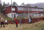Foreldrene har startet oppvekstsenter ved tidligere Vats skole