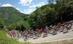 Rytterne skal lørdag ut i på den hardeste klatreetappen i årets Giro.(Foto:Stefano Rellandini/Reuters)