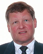 Bård Bredrup Knudsen er avdelingsdirektør i Forsvarsdepartementet.