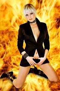Nicole Lacy er klar med debut-album, men kanskje hun helst vil bli Bond-pike? Foto: Promo.