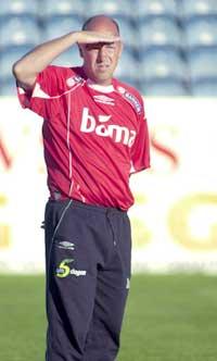 Landslagstrener Nils Johan Semb ser mye fotball. (Foto: Jarl Fr. Erichsen/Scanpix)