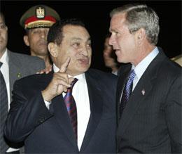 USAs president George Mush møter i dag sin egyptiske kollega Hosni Mubarak og andre arrabiske leiarar i Sharm el-Sheikh. (Reuters-foto: Jason Reed)