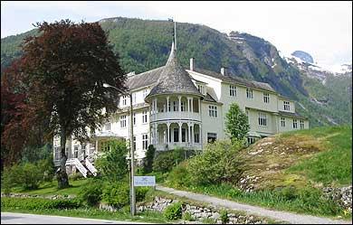 Mundal hotell i Fjærland. (Foto: Arild Nybø, NRK © 2003)