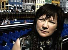 Prispengene skal jeg bruke til elvebåt, sier Mari Boine, som tok i mot budskapet om prisen i København. Foto: Scanpix