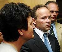 Det ser ut til å bli enighet mellom Jan Tore Sanner (H) og Hill-Marta Solberg (Ap)