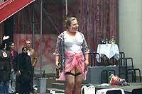 "Ella Gyrid Groven synger ""Mein Herr""."