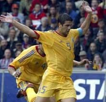 Christian Chivu spilte for Romania mot Norge 11. juni. (Foto: Tor Richardsen/Scanpix)