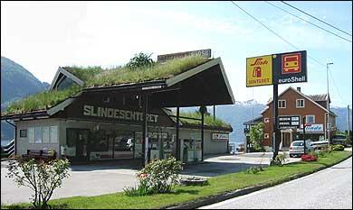Slindesenteret. (Foto: Arild Nybø, NRK © 2003)