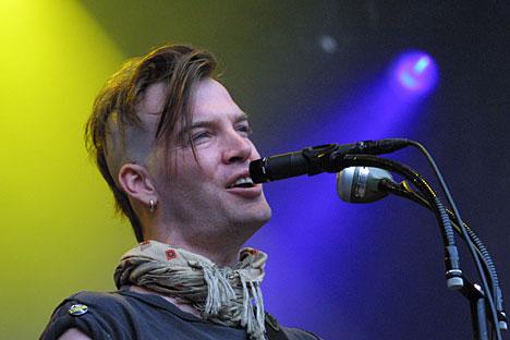 Courtney Taylor hadde bare sovet to timer natt til torsdag. Det hørtes. Foto: arne Kristian Gansmo, NRK.