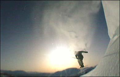 Telemarkskøyring i Hodlekve. (Foto: Aasulv Austad, NRK)