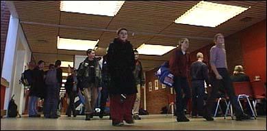 Sogndal vidaregåande skule vart oppdretta i 1992. (Foto: Heidi Lise Bakke, NRK)