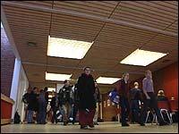 Gymnaset gjekk inn i Sogndal vidaregåande skule i 1992. (Foto: Heidi Lise Bakke, NRK)
