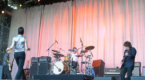 Dave Gahan med backingband fredag kveld i Oslo. (Foto: Roy Strømsnes).