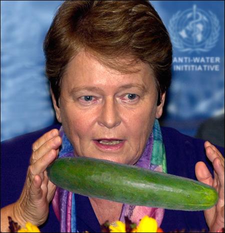 - Det er skremmende at agurker inneholder 97% vann, og bare 3% agurk.