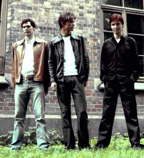 Fra venstre: Eigil Skagnes (bass), Terje Kleven (vokal,gitar) og Frode Gundersen (trommer). Foto: Promo.
