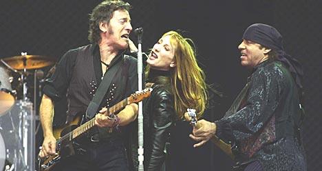 Bruce Springsteen & E Street Band på Valle Hovin torsdag 26. juni 2001. Foto: Erlend Aas / SCANPIX .
