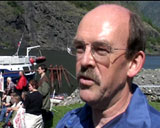 Da rådgiver for UNESCO, Peter Ogden var på besøk i Nærøyfjorden i slutten av Mai advarte han mot å lage flybombefelt på Mjølfjell.