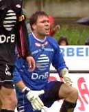 Håkon Ophaug depper etter å ha bokset ballen i eget mål.