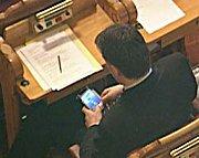 Trond Helleland har også tidligere fått kritikk for bruk av elektroniske apparater. Her fra Stortinget.