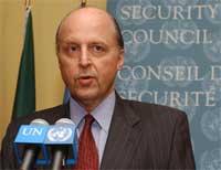 - Resolusjonen spesifiserer ikke trusselen fra Hamas, påpeker USAs FN-ambassadør John Negroponte. (Foto: Reuters/Chip East)