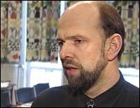 Fjord1-styreleiar Jarle Skartun meiner dei no må vurdere å omorganisere storselskapet. (Foto: NRK)