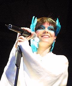 Vi fikk følelsen av å være med på noe overmenneskelig under Björk-konserten søndag. Foto: Jørn Gjersøe, nrk.no/musikk.