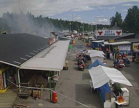 Vaktholdet skjerpes nå på handelsområdet på Svinesund (Foto: Nils Bjarne Foss, NRK)