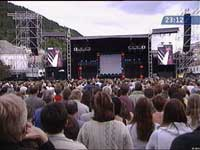 15 000 koste seg på Koengen i tirsdag. Foto: NRK.