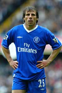 Gianfranco Zola har spilt i Chelsea siden 1996.(Foto: Ben Radford/Getty Images)
