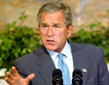 UTFORDRENDE: - Bring them on, sa president George W. Bush om gruppene som angriper USA i Irak (Foto: AP/Scanpix).