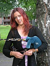Kathryn Tickell spiller den spesielle Northumberland-sekkepipa. Foto: Arne Kristian Gansmo, NRK.no/musikk.
