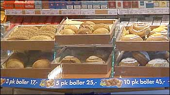 Wienerbrød og bakverk med lang holdbarhet kan inneholde skadelig transfett. NRK-foto: Steinar Lote