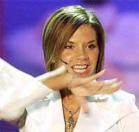 Victoria Beckham stjeler oppmerksomhet fra ektemannen ved å krype til Hollywood.