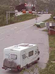 Haugastøl turistsenter har ofte problemer med bobilturister som parkerer for nær senteret.