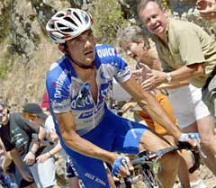 Richard Virenque klatret til topps på sjuende etappe i Tour de France. (Foto: AFP/Scanpix)