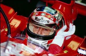 Michael Schumacher vil fortsette i Ferrari til han legger opp.