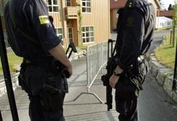 SETTER PREG: Sikkerhetstiltakene rundt besøket i morgen setter sitt preg på Molde og jazzfestivalen (Foto: Scanpix).