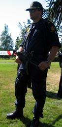 Væpna politi då Sharon besøkte Molde